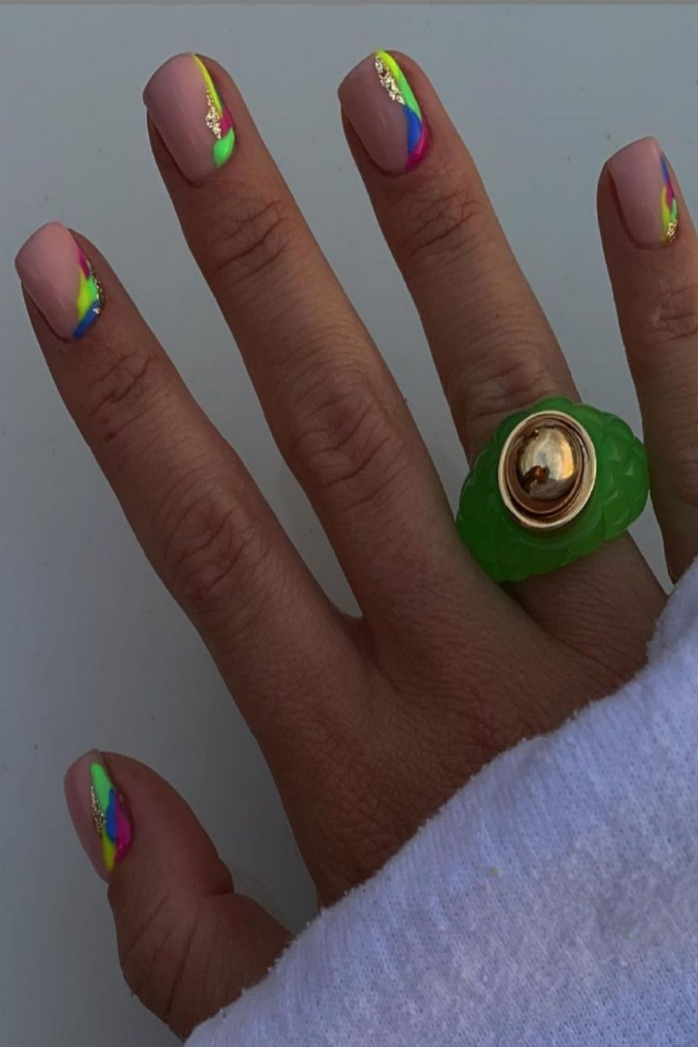 Cute nail colors ideas for summer 2021 color trends!