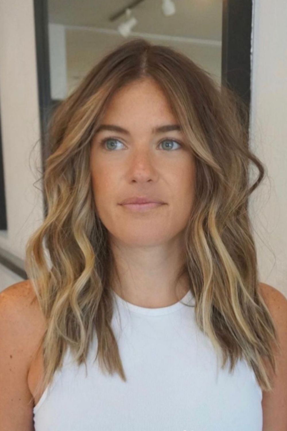 35 Stunning medium length hair with layers That Will Turn Heads