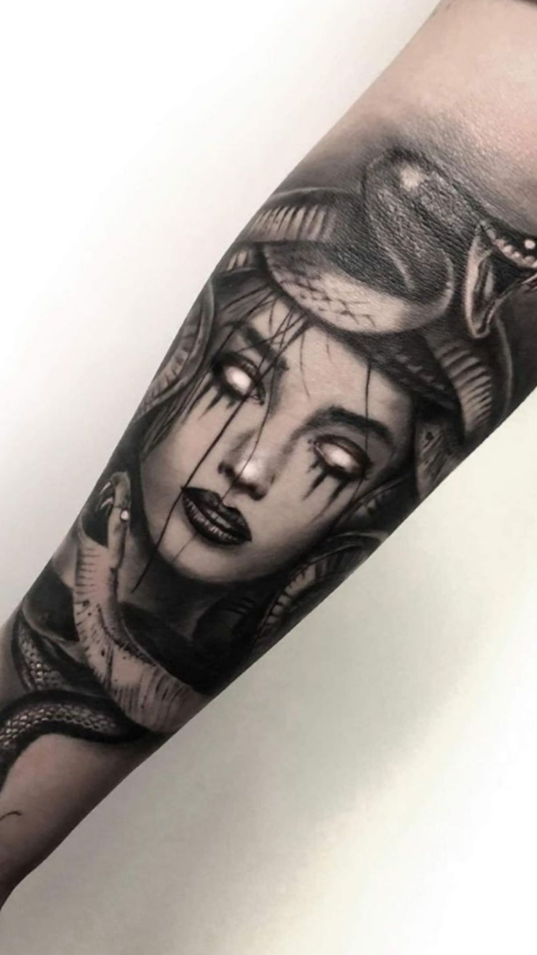 30 Best forearm Tattoos For Women You should Try