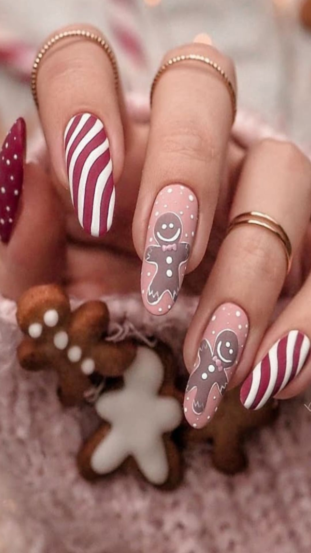 30 Best Christmas nails 2021 That You Can Do at Home