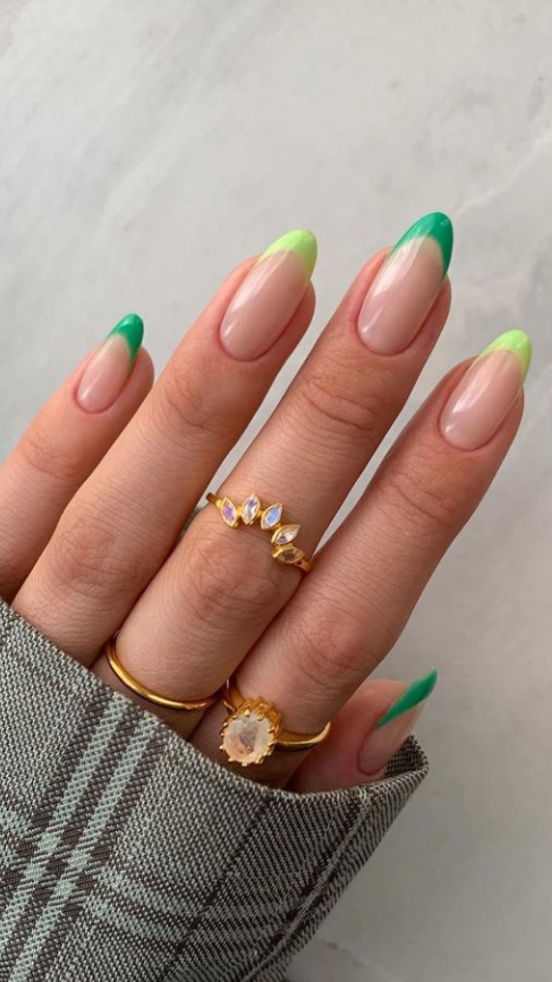 30 Best green acrylic nail ideas worth your next date
